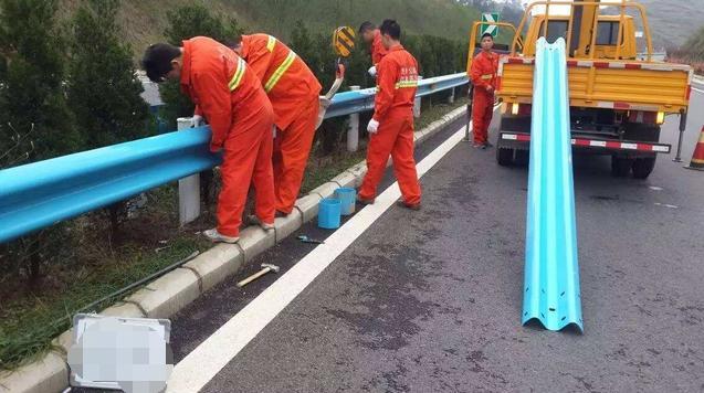 高速公路波形护栏板需通过日常保养来保持完好
